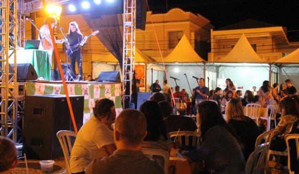 Uma noite Tropicália e Poeme-se movimentaram cena cultural do município