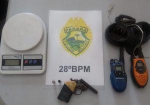 PM apreende arma de fogo, demais objetos e encaminha dois suspeitos para Delegacia