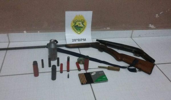 PM recebe duas denúncias distintas sobre mesmo suspeito e localiza armamento