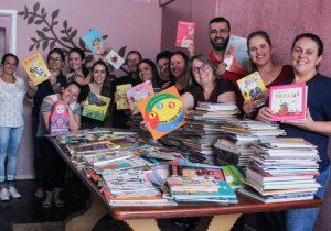 Secretaria de Educação e escritor iniciam coleta de acervo para nova biblioteca