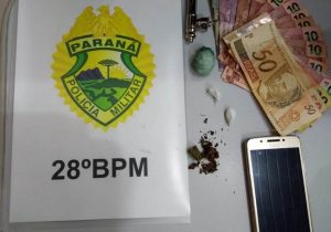 Abordagem de suspeito resulta em apreensão de dinheiro e substâncias entorpecentes