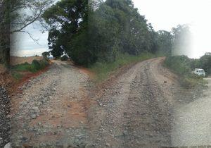 Secretaria de Obras realiza manutenção em cinco trechos de estradas rurais