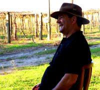 A vinícola está localizada na comunidade de Pinheiral de Baixo, a 15 km do centro de Palmeira.