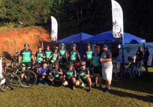 Ciclistas palmeirenses participam da 3ª etapa do Circuito Estações em Colombo