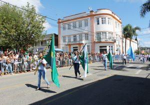 Desfile cívico militar acontece no dia 7 de setembro