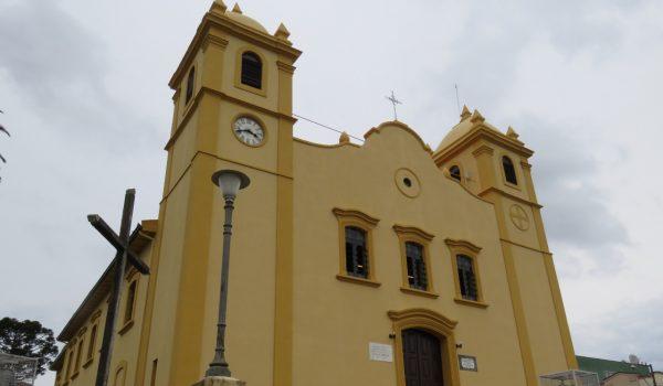 Igrejas católicas permanecem fechadas em Palmeira e Porto Amazonas