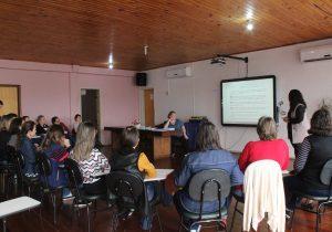 Diretoras escolares participam de encontro educativo