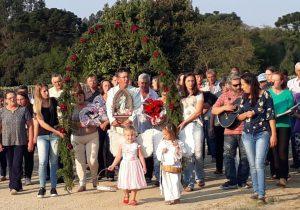 Comunidade de Água Clara conduz imagem peregrina para Passo do Tio Paulo