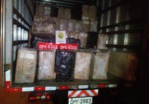 Indivíduo é preso com caminhão roubado e cigarros contrabandeados em Palmeira