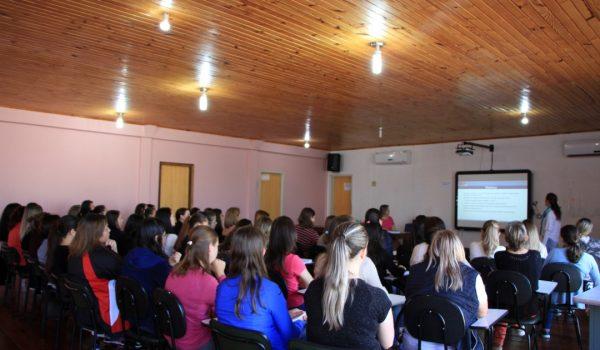 Professores recebem formação sobre Referencial Curricular do Paraná