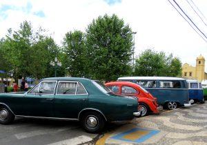 Cerca de 200 carros antigos prestigiam o encontro em Palmeira