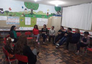 Profissionais da escola Gabriel Prestes participam de atividades sobre saúde mental