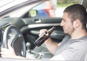 Pesquisa aponta que um em cada dez dirige alcoolizado