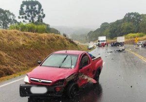 Acidente com cinco veículos interdita totalmente a BR 277