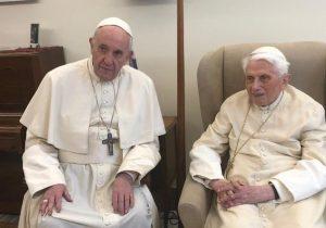 Vaticano: condição de Bento XVI 'não é particularmente preocupante'