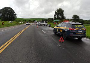 Duas pessoas morrem e quatro ficam feridas em acidente na BR 277, em Palmeira