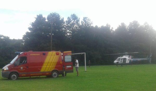 Com suspeita de traumatismo craniano, vítima é transportada para Ponta Grossa