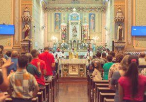 Paróquia Nª Srª da Conceição realiza formação para Ministros Extraordinários da Sagrada Comunhão