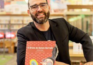 Escritor Anderson Novello tem livro impresso pelo Pegaí Leitura Grátis