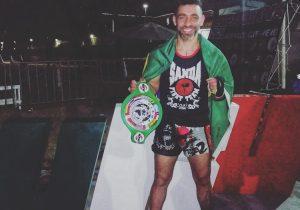 Lutador de Palmeira retorna de competição no México com cinturão